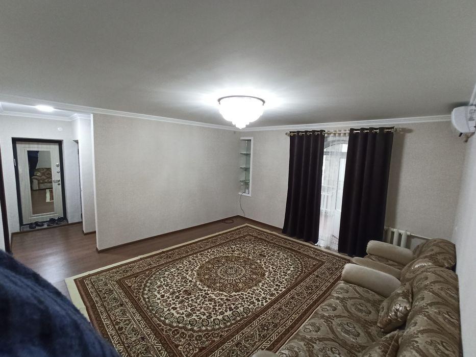 3/4/4, 75м2, метро Космонавтов. Квартира в аренду
