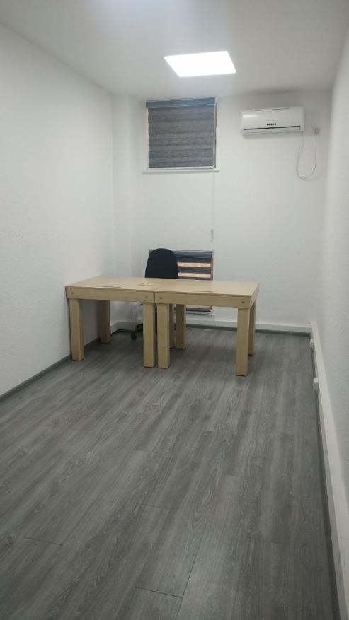 Офисные помещения в Бизнесцентре. Мирабадский рн